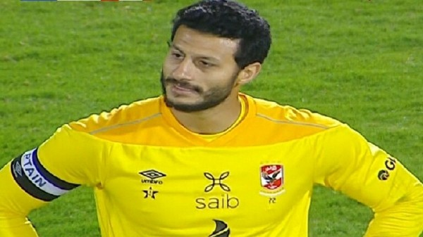 الأهلي المصري يتعرض لخسارته الأولى في الدوري بسبب محمد الشناوي