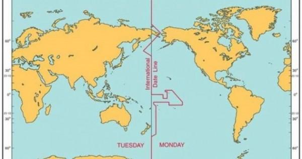ماذا يسمى خط الطول الذي يظهر تغير التاريخ
