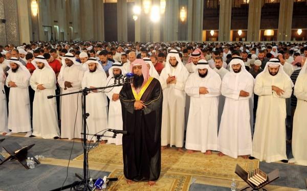 عدد أبرز سمات الإمام