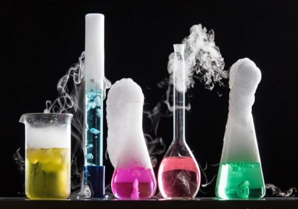 ماذا يسمى التفاعل الكيميائي الذي تتحد فيه مادتين او اكثر لتكوين مادة واحدة