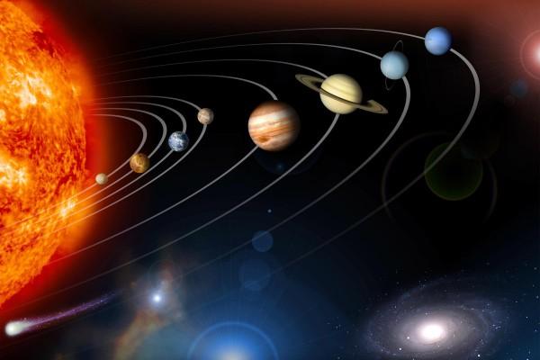 هل الكواكب جميعها ذات شكل كروي