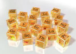 الثبات النسبي للحجم الذري لعناصر سلسلة الانتقال الأولى بسبب وجود عامل الشحنة الفعال