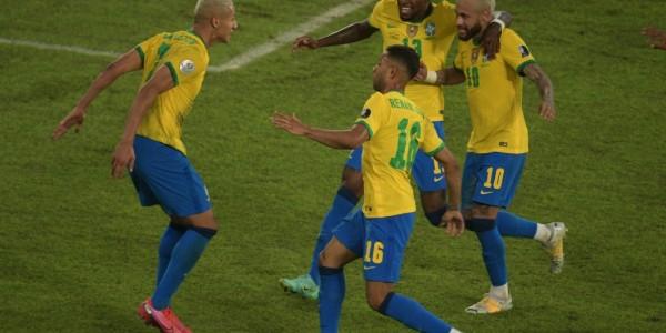 تألق منتخب البرازيل بأربعة أهداف ضد بيرو