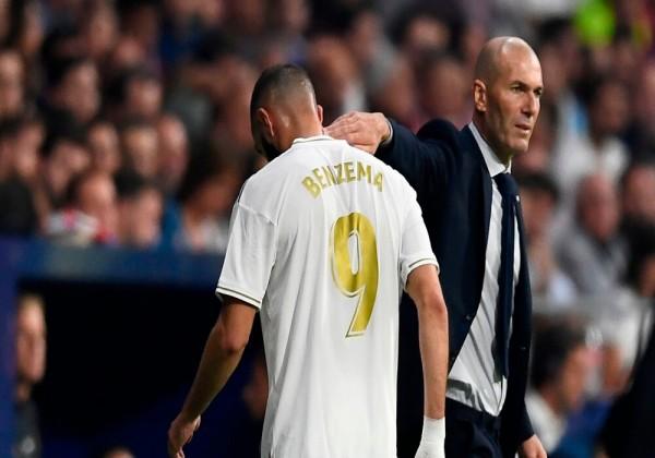 هل سيكون الموسم الحالي هو الأخير للمدرب الفرنسي زيدان مع ريال مدريد