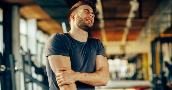 يشعر بعض الرياضيين بضيق في العضلات وألم بعد بذل مجهود