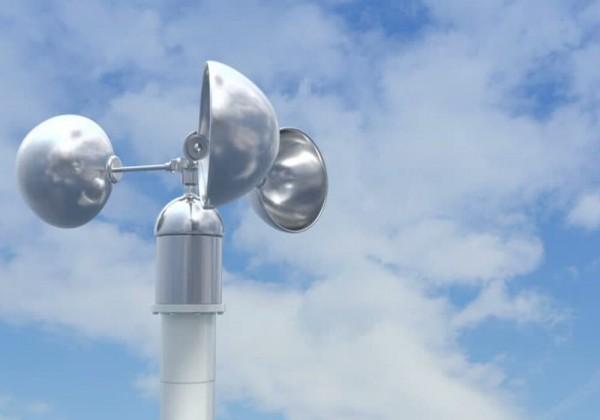 يتم قياس سرعة الرياح بجهاز يسمى الانيمومتر