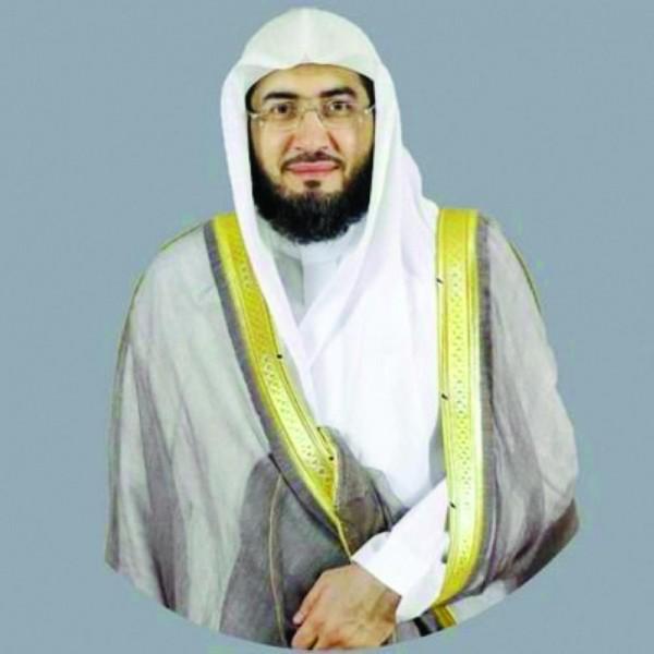 تعرف على أهم المعلومات عن الشيخ بندر بليلة خطيب يوم عرفة