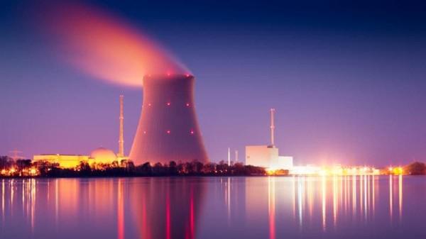 وصف مزايا وعيوب استخدام الطاقة النووية