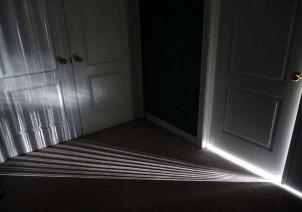 ماذا يسمى انحناء الضوء حول الحواجز