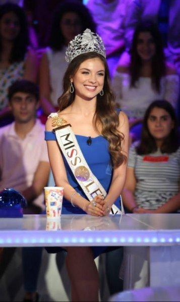 ما سبب هجرة ملكة جمال لبنان مايا رعيدي إلى دبي