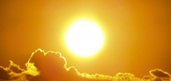 ما هو معدل انبعاث الطاقة الضوئية من مصدر الضوء