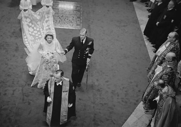 تفاصيل لقاء الأمير فيليب والملكة إليزابيث