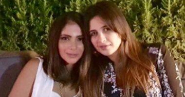 الفنانة منى زكي تدعو لـ ياسمين عبد العزيز بعد خضوعها لعملية جراحية