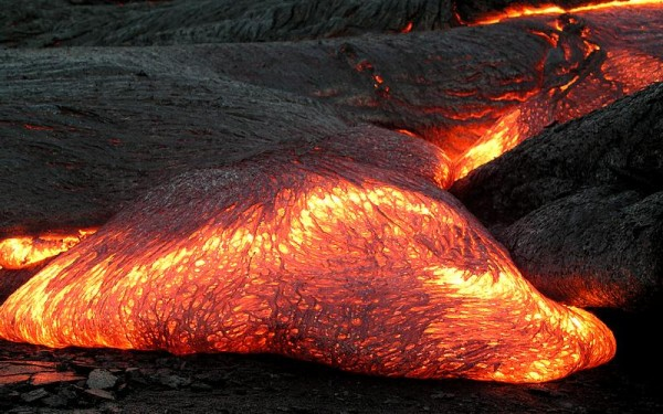 ماذا تسمى الصخور المنصهرة الموجودة في الأرض