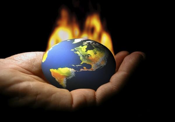 تأتي معظم الحرارة على سطح الأرض من
