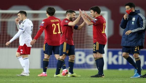 أفلت المنتخب الإسباني من سقوط جديد في التصفيات الأوروبية