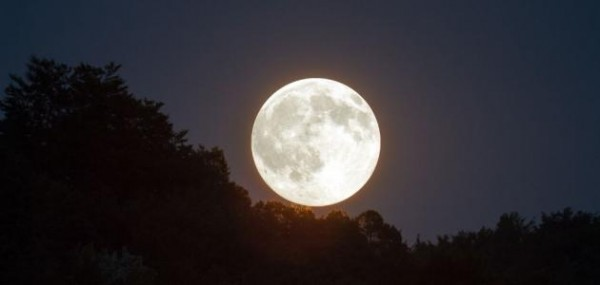 يعتبر القمر من الاجسام المستضيئة صح ام خطا
