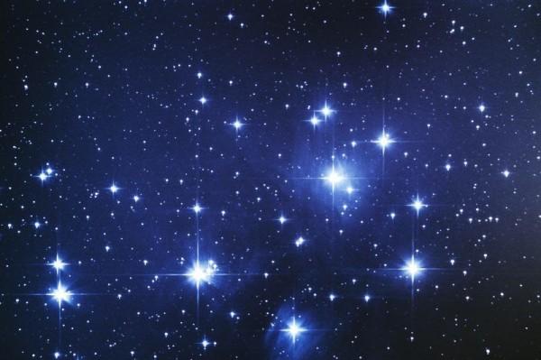النجوم الأكثر سخونة تكون باللون