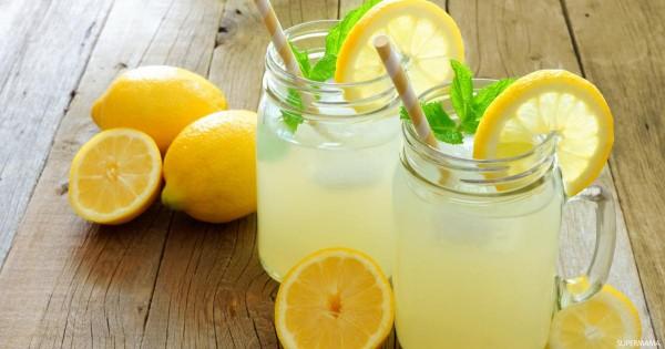 هل من المفيد تناول عصير الليمون على الريق