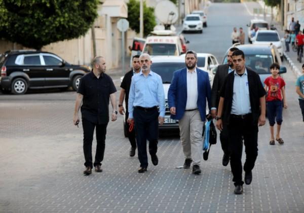 تصريحات محلل إسرائيلي بشأن تجول السنوار في شوارع غزة وتحدى إسرائيل باغتياله