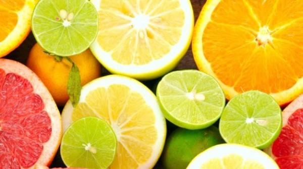 سلمى لديها سلة خضروات تحتوي على 20 ليمون أخضر و 10 ليمون أصفر