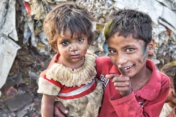 بعض الحلول للقضاء على مشكلة الفقر في العصر الحالي