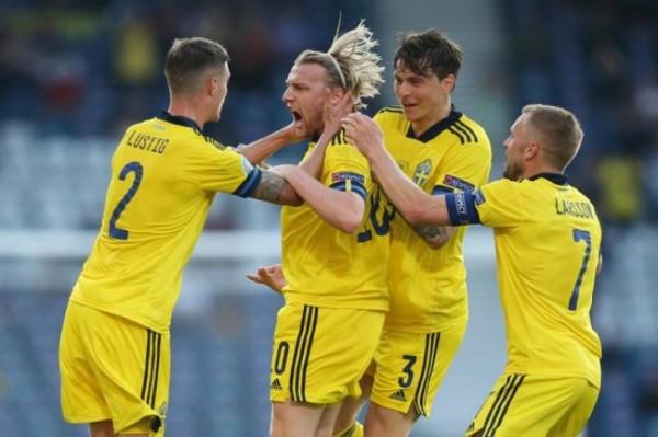 تصريحات مدرب السويد بعد هزيمة لاعبيه أمام أوكرانيا