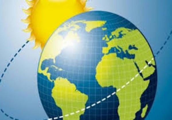 حركة الشمس الظاهرية ناتجة عن