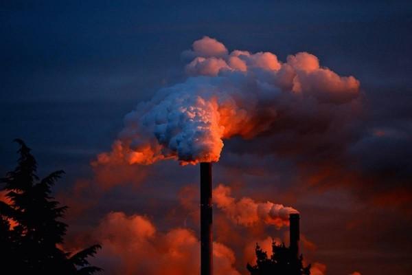 توجد ملوثات الهواء بكميات أكبر في المدينة منه في الريف