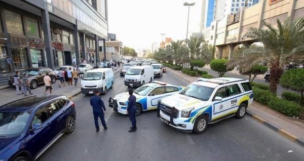 تعرف على تفاصيل جريمة الكويت قتل أمه وشرطي المرور