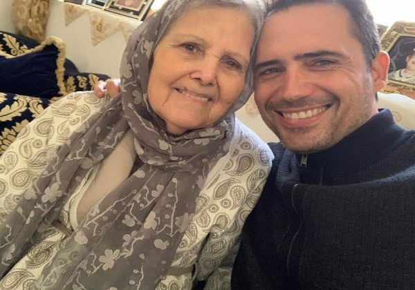 تفاصيل وفاة والدة الفنان التونسي ظافر العابدين